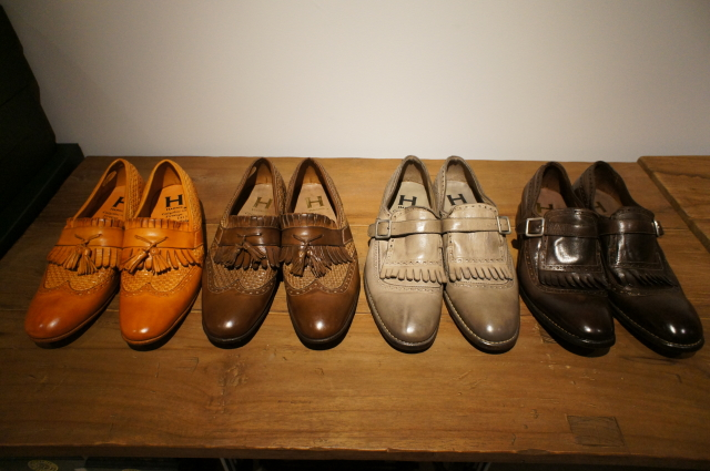 ファッション性をほど良く取り入れた、そのコレクションは、まさにイタリア靴を象徴するブランド。